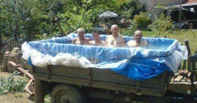 Funny Swimming Pool Photos to Get You Ready for Summer