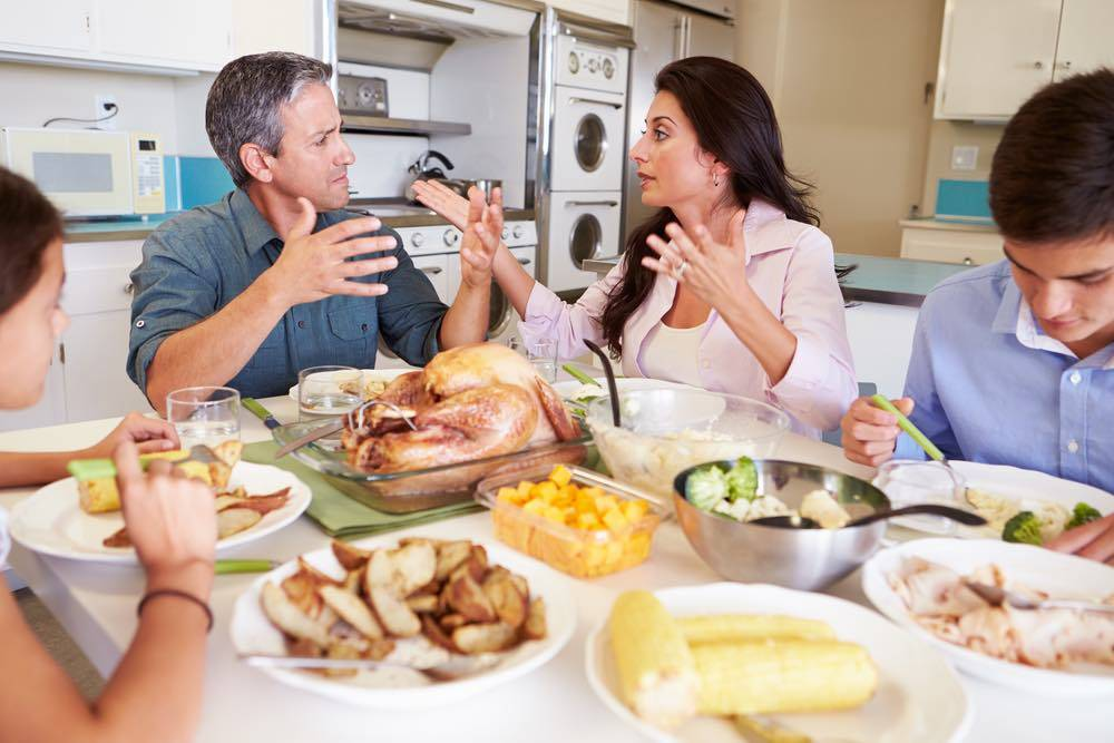 Twitter Tips For Surviving Thanksgiving With Your Relatives