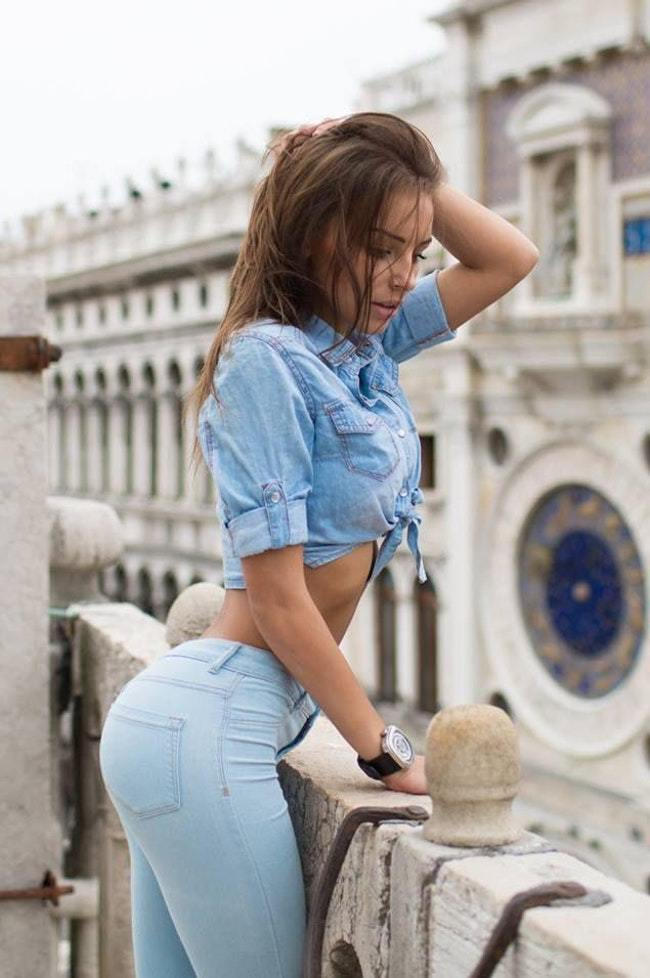 Hot girls in jeand Hot Girls In Jeans Viraluck