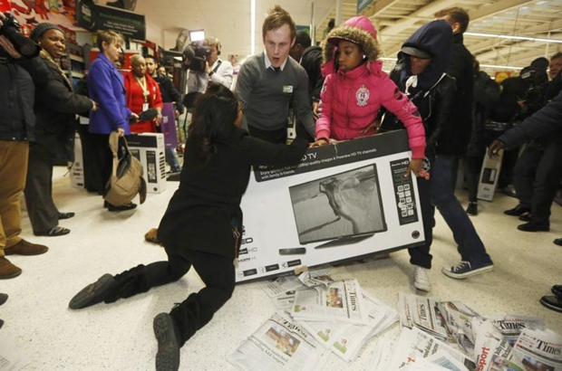 21 Black Friday Pics That Will Destroy Your Faith In Humanity